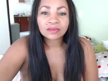 Chaturbate dirty_brunette4u video with toys from Chaturbate