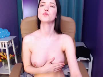 Chaturbate lauracute_ show with cum from Chaturbate.com