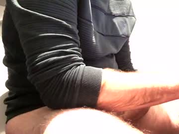 Chaturbate hornyelektrician23 chaturbate blowjob video