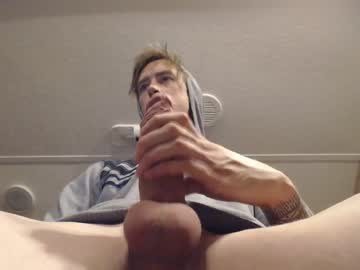 Chaturbate mauihungg private show video from Chaturbate.com