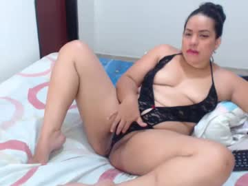 Chaturbate naughtypussygirl public show from Chaturbate