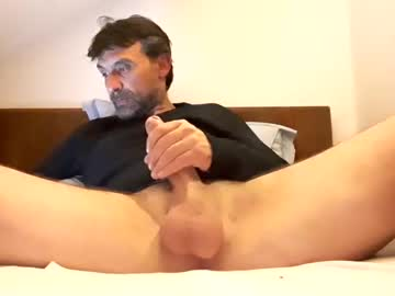 Chaturbate chrispanam13 video with dildo