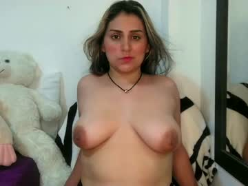 Chaturbate karolay_lavigne1 record blowjob video from Chaturbate
