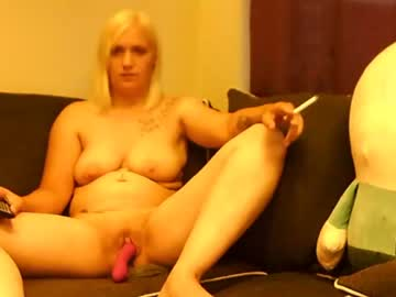 Chaturbate kleigh90 video with dildo from Chaturbate.com