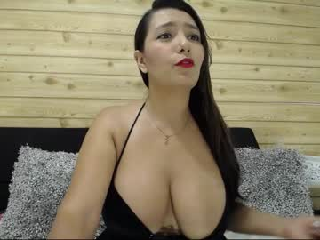 Chaturbate yennefer_spell public show from Chaturbate.com