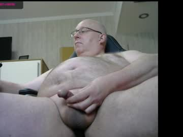 Chaturbate cave_man_66 record video with toys