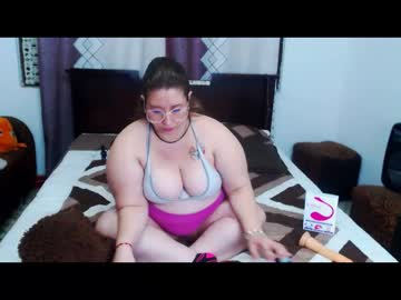 Chaturbate nicebigxtitsxx blowjob video from Chaturbate.com