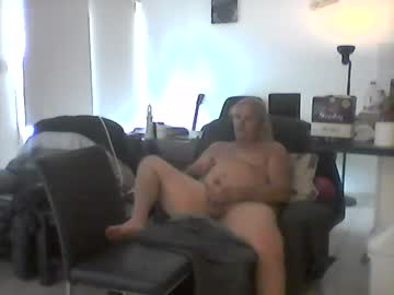 Chaturbate goldyguy011 private XXX show from Chaturbate.com