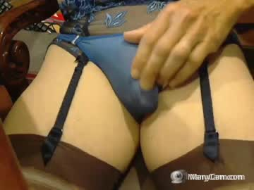 Chaturbate love2bingarters chaturbate blowjob video