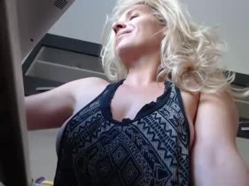 Chaturbate ladygilda record show with cum from Chaturbate