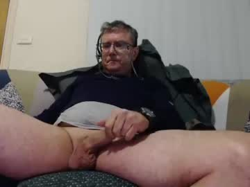Chaturbate aussiemalet show with toys from Chaturbate.com