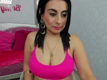 Chaturbate imyourdirtymilf show with toys from Chaturbate.com