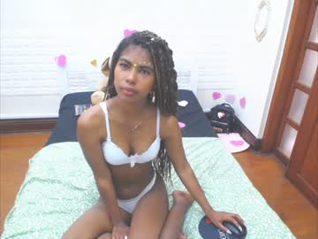 Chaturbate zoe_model webcam show