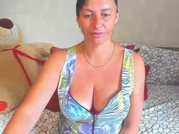 Chaturbate amberhotqueen record show with cum from Chaturbate