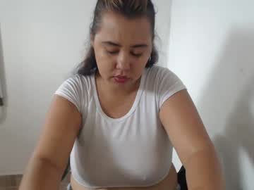 Chaturbate juliana_hot123 cam show from Chaturbate.com
