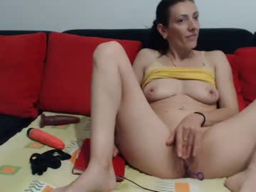 Chaturbate makacox show with cum