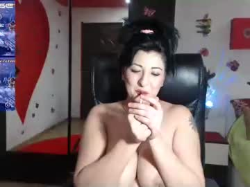 Chaturbate _doll_on_fire_ record show with toys
