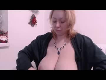 Chaturbate karolynesyera show with cum