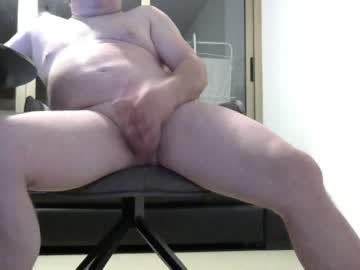Chaturbate hornyjerkon70 record show with toys from Chaturbate