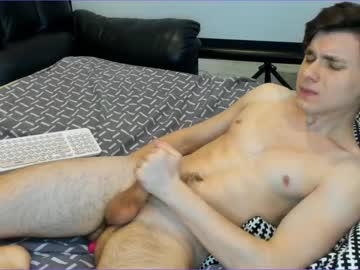 Chaturbate y0ungboys video from Chaturbate.com