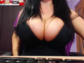 Chaturbate bbylarra record show with toys from Chaturbate.com