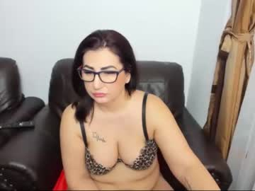 Chaturbate karenhotmilf cam video from Chaturbate.com