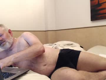 Chaturbate arnout95 cam show from Chaturbate.com