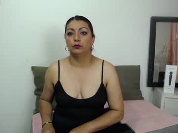 Chaturbate dolly_mature_ private show from Chaturbate.com