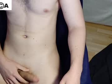 Chaturbate y0unghugh blowjob show from Chaturbate