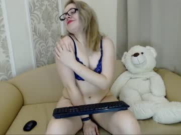 Chaturbate valeriekyng public show