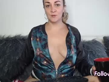 Chaturbate adrianapdes public show from Chaturbate