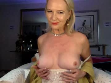 Chaturbate gl1tter_barbie show with toys