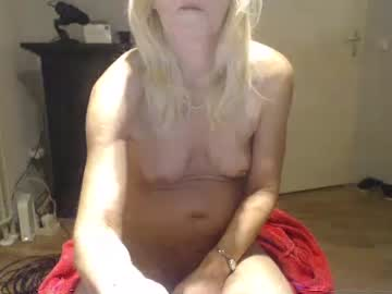 Chaturbate lindahotschot record video with dildo from Chaturbate