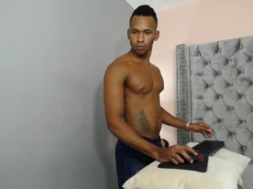 Chaturbate muscle_boylatin chaturbate show with cum