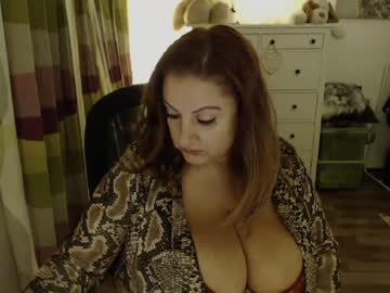 Chaturbate julialiones record show with cum from Chaturbate