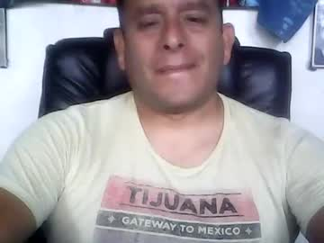 Chaturbate chicoguapo8 private XXX video from Chaturbate