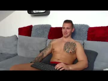 Chaturbate masterbriannconnor record video with toys from Chaturbate