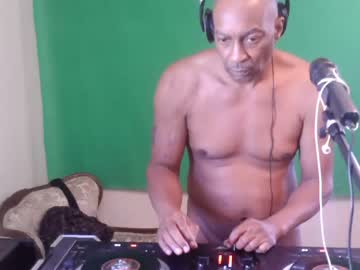 Chaturbate longcock4you8686 webcam video from Chaturbate.com