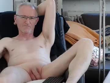 Chaturbate berthold2 record show with toys