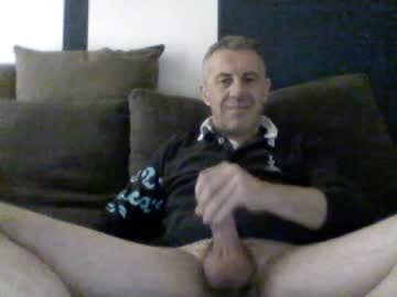 Chaturbate garry1270 video with dildo from Chaturbate.com