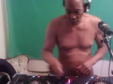 Chaturbate longcock4you8686 record show with toys from Chaturbate.com