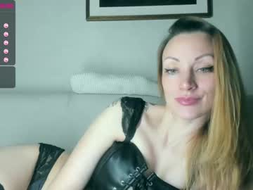 Chaturbate alexastevens video with dildo from Chaturbate