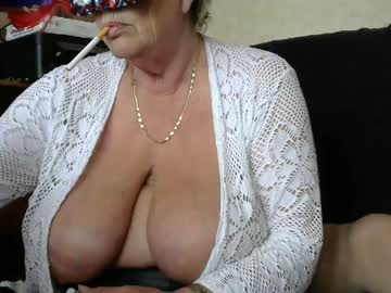 Chaturbate debbiegloryhole show with cum from Chaturbate.com