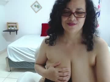 Chaturbate julia_anny
